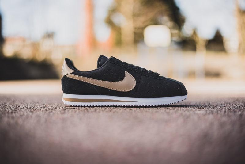Nike-Cortez-Basic-Premium-QS-Black-04-800pix