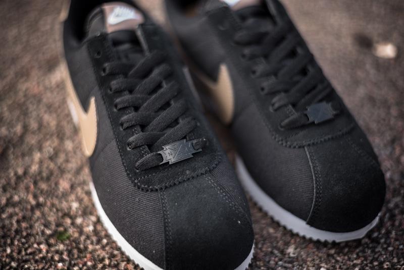 Nike-Cortez-Basic-Premium-QS-Black-06-800pix