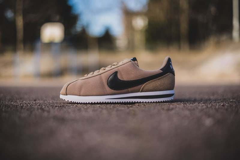 Nike-Cortez-Basic-Premium-QS-Desert-01-800pix