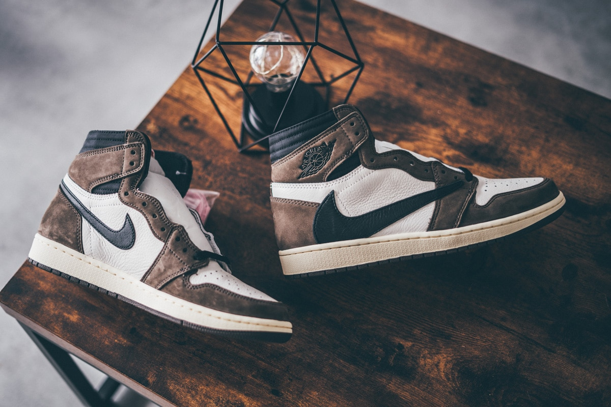 Air Jordan 1 Retro High Travis Scott Cactus Jack